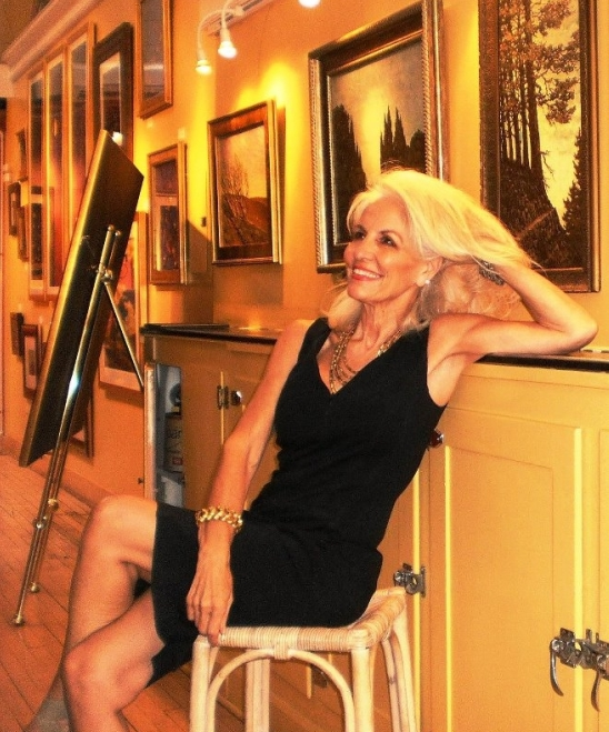Lou Anne founder Belleza Gallery for Bisbee Artists
